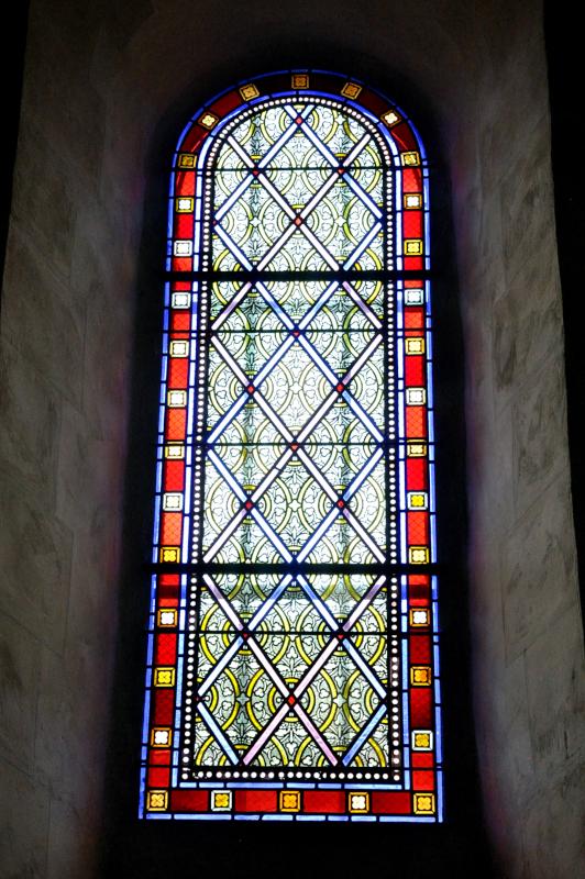 P451-Eglise.Vitrail.01.Géométrique